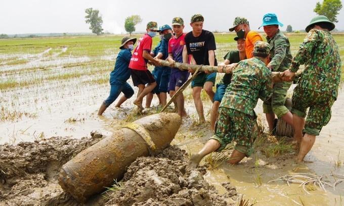 Vietnam, Vietnam bomb, wartime bomb, Vietnam War, unexploded ordnance