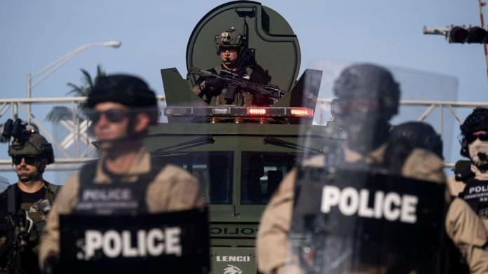 Providing police with military gear does not reduce crime or protect  officers: Studies - ABC News