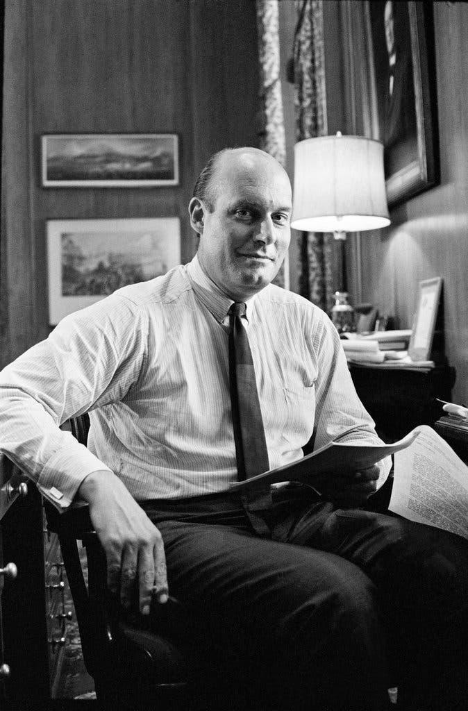 Nicholas Katzenbach, modelador político de la década de 1960, muere a los 90 años - The New York Times