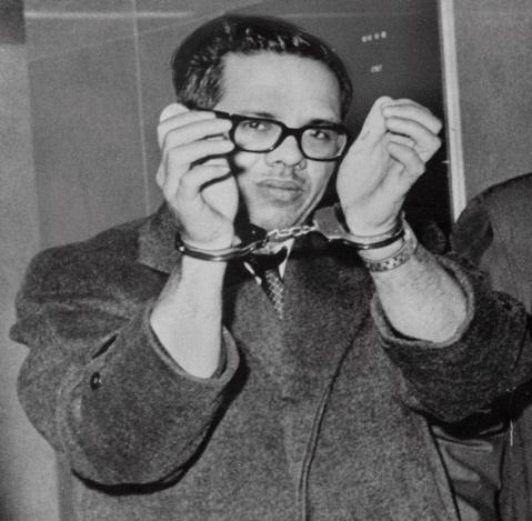 Orlando Bosch, exiliado cubano absuelto en un bombardeo a reacción, muere a los 84 años - The New York Times