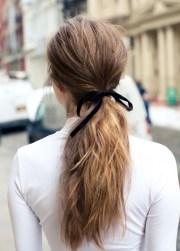 make simplest ponytail