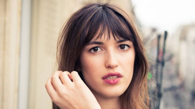 the french girl fringe bang trend is about to be everywhere