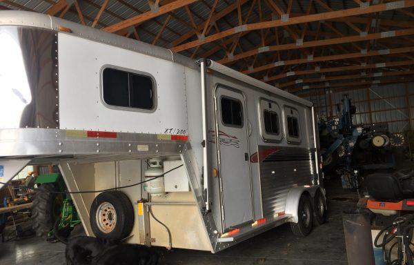 2003 Aluminum Exiss X T/200 2 horse trailer w/LQ