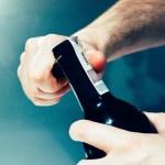 Ukrainiec zaatakował mężczyznę rozbitą butelką, bo chciał ukraść kosę spalinową. Wcześniej rzucił kamieniem w samochód
