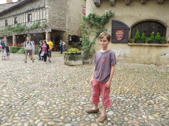 9 Aug 15 - wandering around Perouges (22)