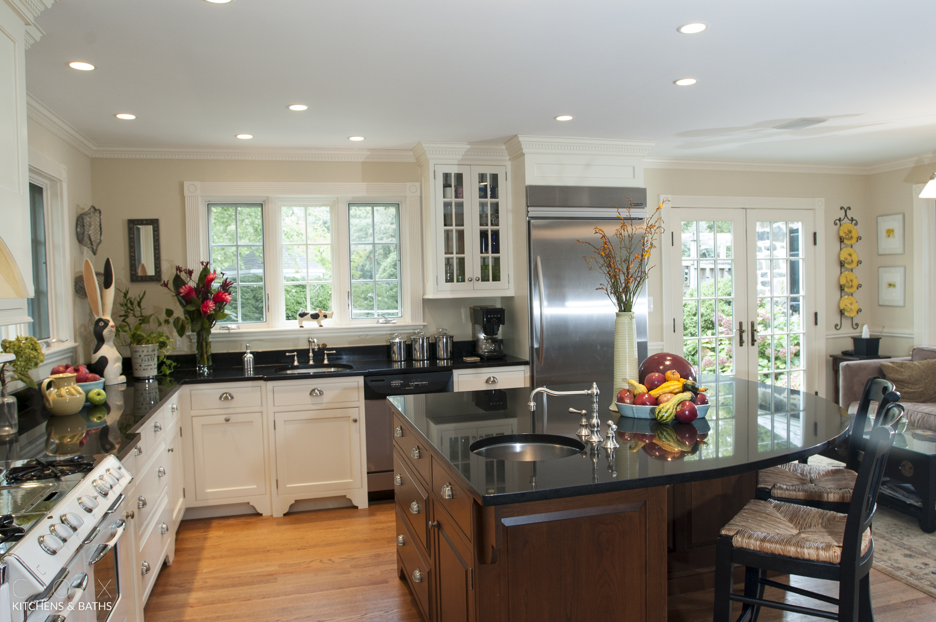 Stately, Time Honored Kitchen Design Is Still Breath Taking