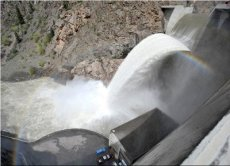 Crystal dam spilling May 2009