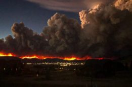 The East Troublesome Fire burns in Grand County in October 2020. Credit: Northern Water