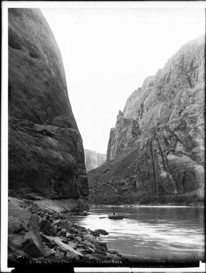 A bend in Glen Canyon of the Colorado River, Grand Canyon, c. 1898. By George Wharton James, 1858—1923 - http://digitallibrary.usc.edu/cdm/ref/collection/p15799coll65/id/17037, Public Domain, https://commons.wikimedia.org/w/index.php?curid=30894893