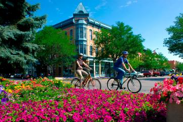 """Downtown """"Old Town"""" Fort Collins. By Citycommunications at English Wikipedia, CC BY 3.0, https://commons.wikimedia.org/w/index.php?curid=50283010"""