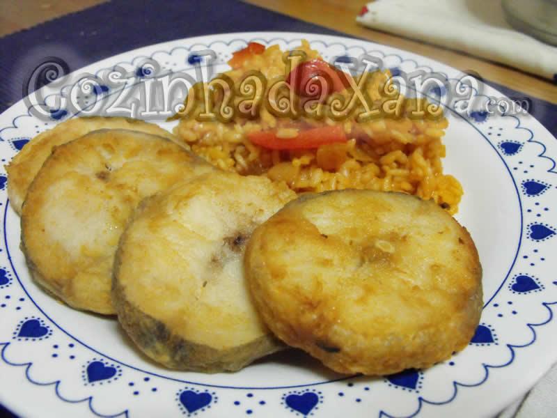 Pescada frita com arroz de tomate - Cozinha da Xana