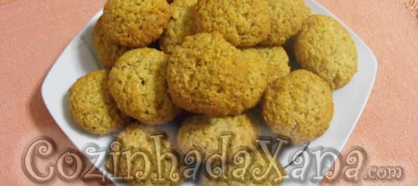 Biscoitos de aveia com coco e mel