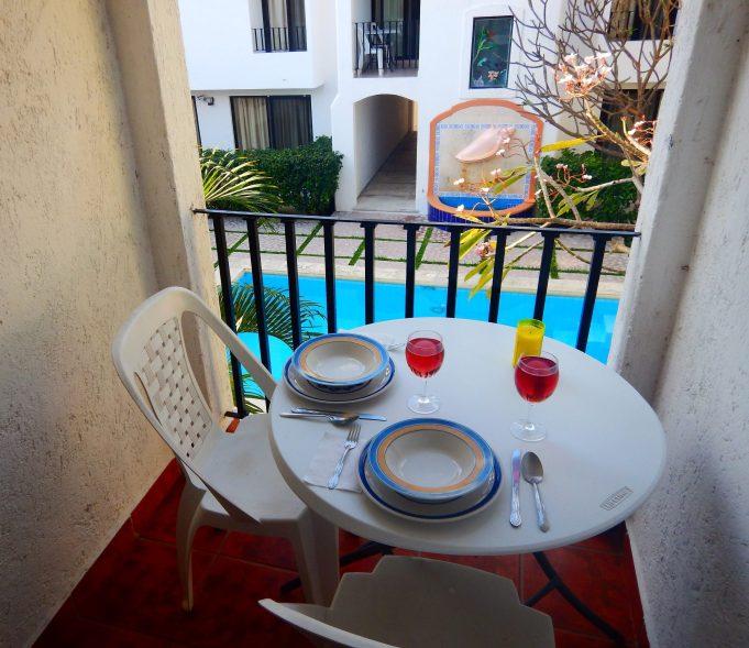 Small balcony to enjoy breakfast.