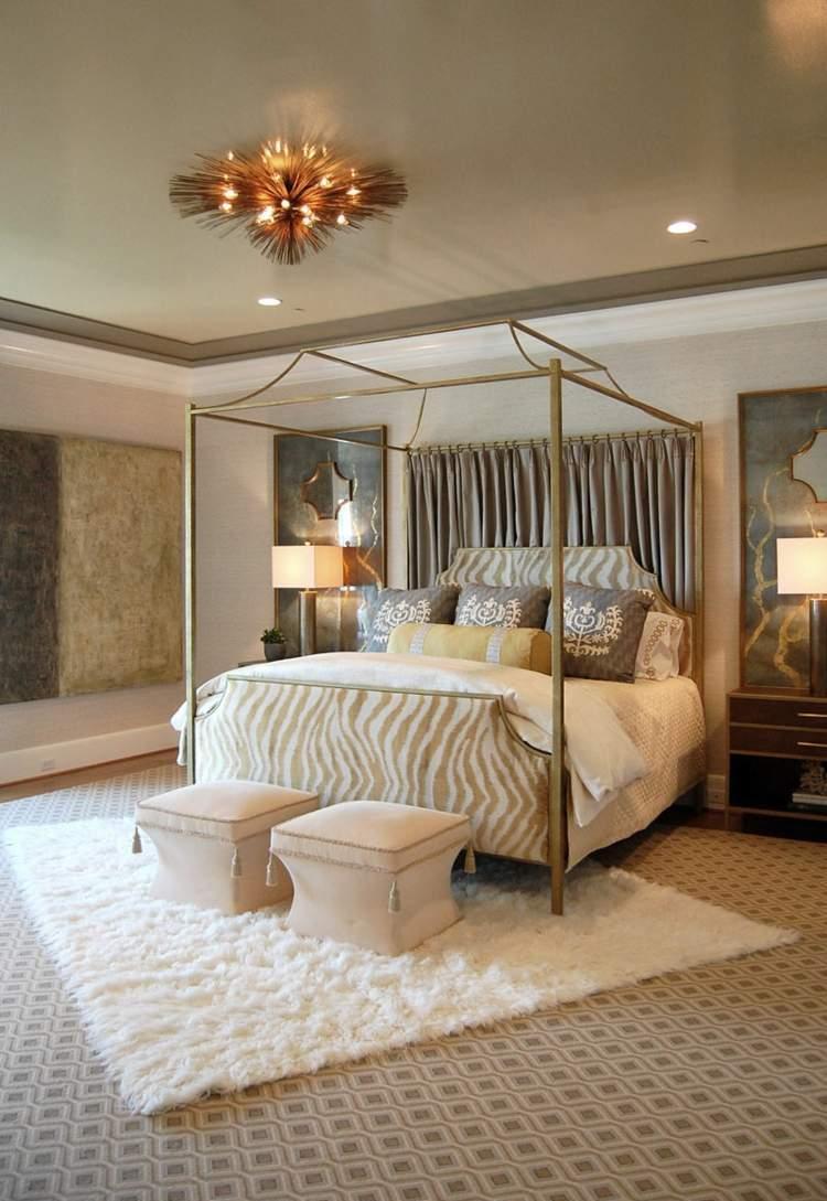 Baldakin över sängen modern