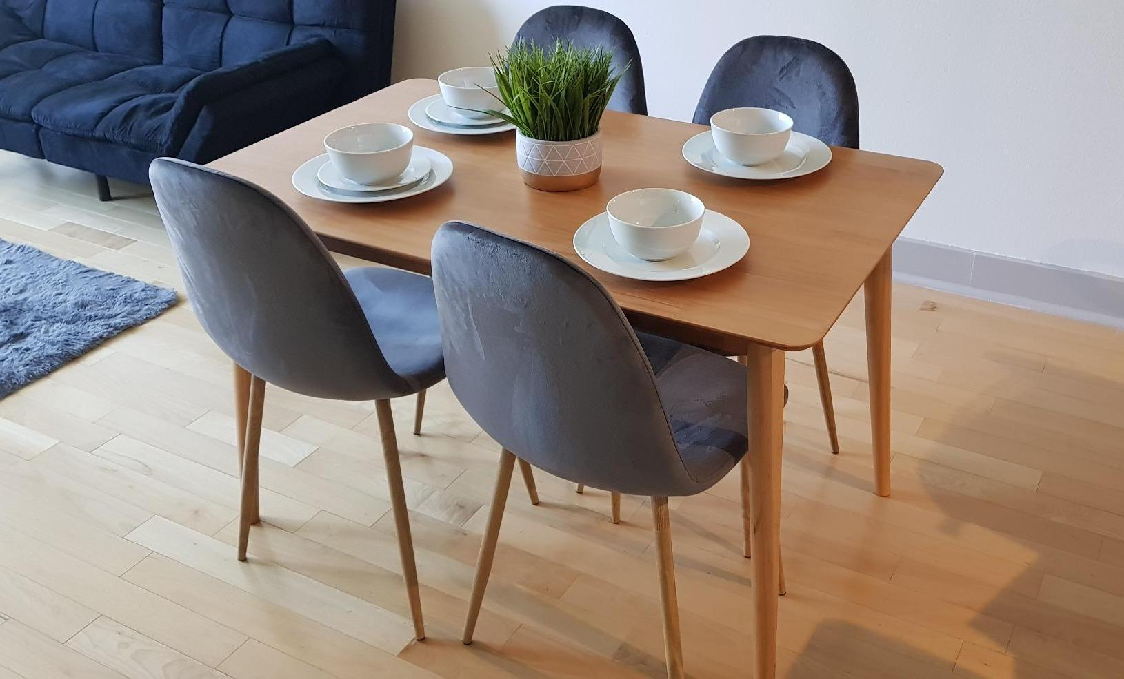Review] Zinus Jen Mid-Century Modern Wood Dining Table -