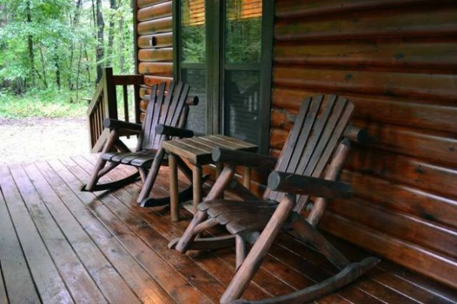 Oak Ridge cabin porch