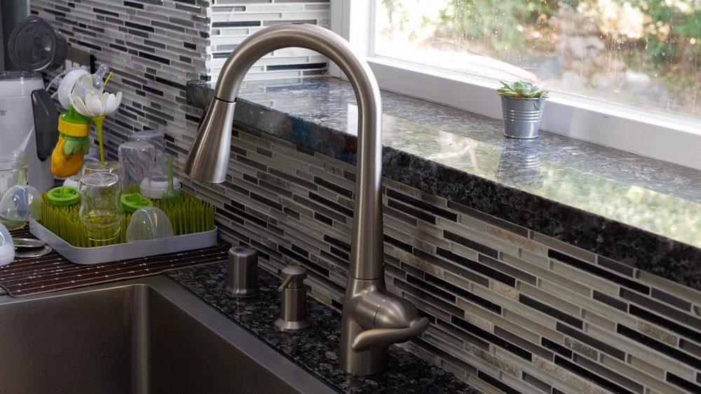 top 9 best touchless kitchen faucets