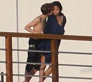 Justin Bieber kisses Selena