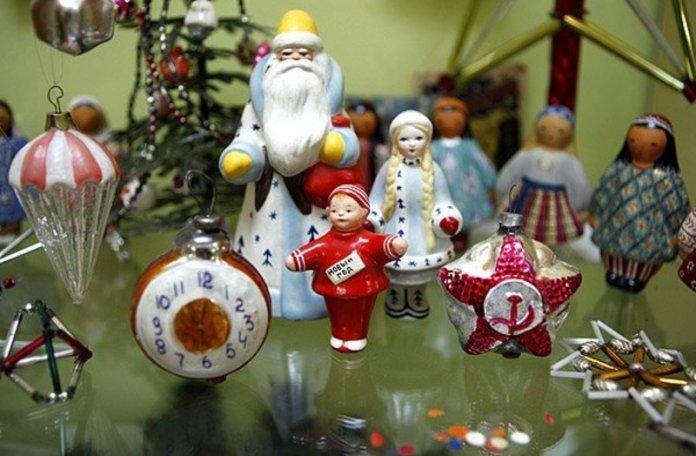 История новогодних игрушек