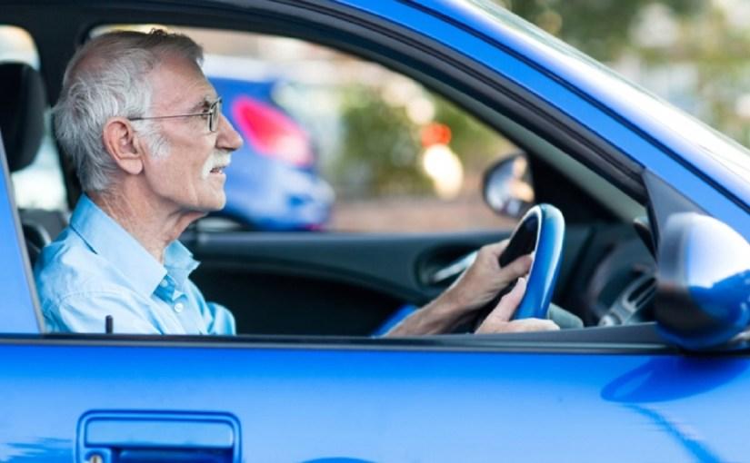 4 نصائح هامة لحماية كبار السن أثناء قيادة السيارة