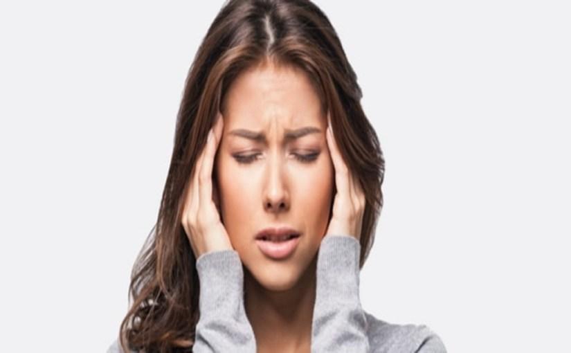 اليوغا وشرب المياه والزيوت العطرية يخفف أعراض الصداع التوتري