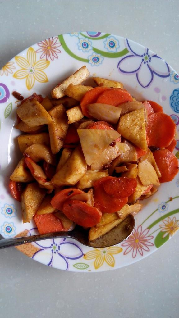 兔兔醬 胡蘿卜_醬蘿卜脆的制作方法_醬蘿卜的腌制方法_醬泡蘿卜皮的做法
