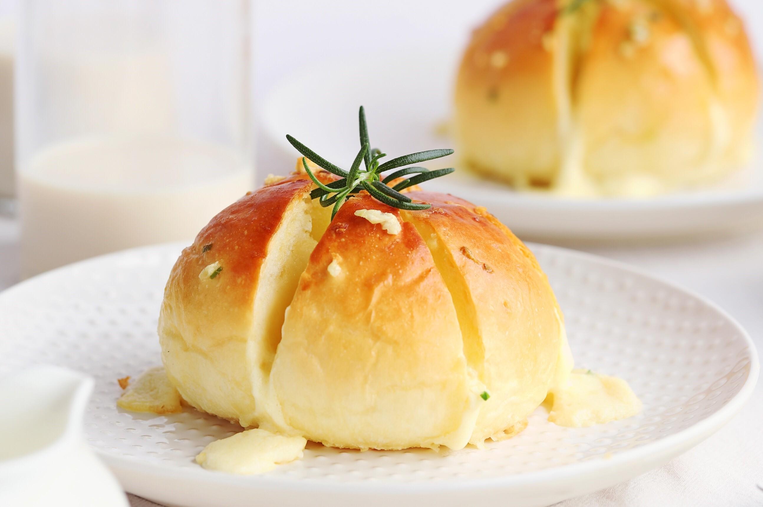 蒜香奶酪包怎么做_蒜香奶酪包的做法_僖兒2005_豆果美食