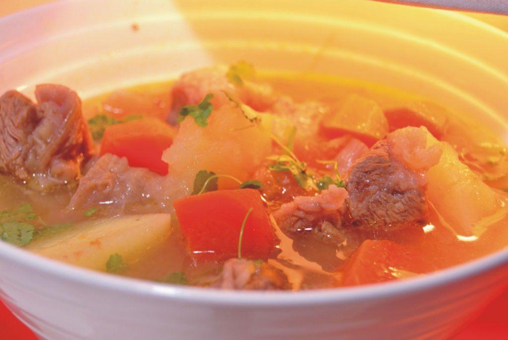 土豆番茄牛腩湯 怎么做_土豆番茄牛腩湯 的做法_豆果美食