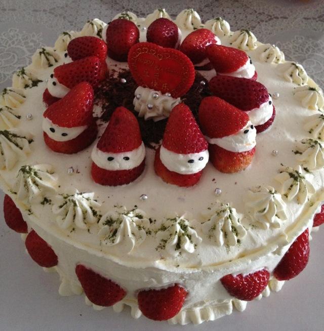 草莓生日蛋糕的做法_【圖解】草莓生日蛋糕怎么做如何做好吃_草莓生日蛋糕家常做法大全_gyxiloveyou_豆果美食