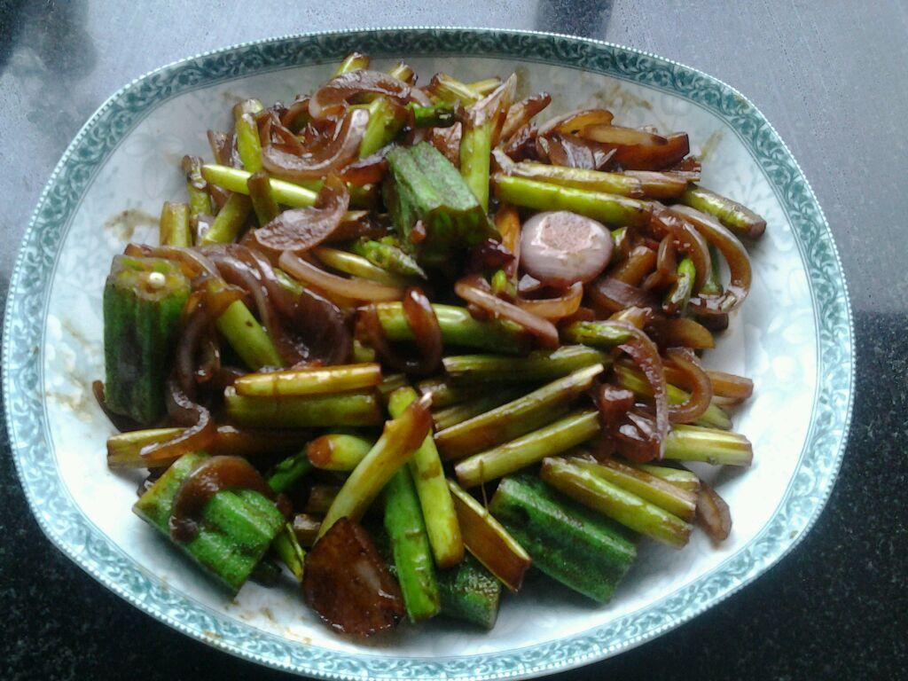 蘆筍秋葵炒洋蔥怎么做_蘆筍秋葵炒洋蔥的做法_豆果美食