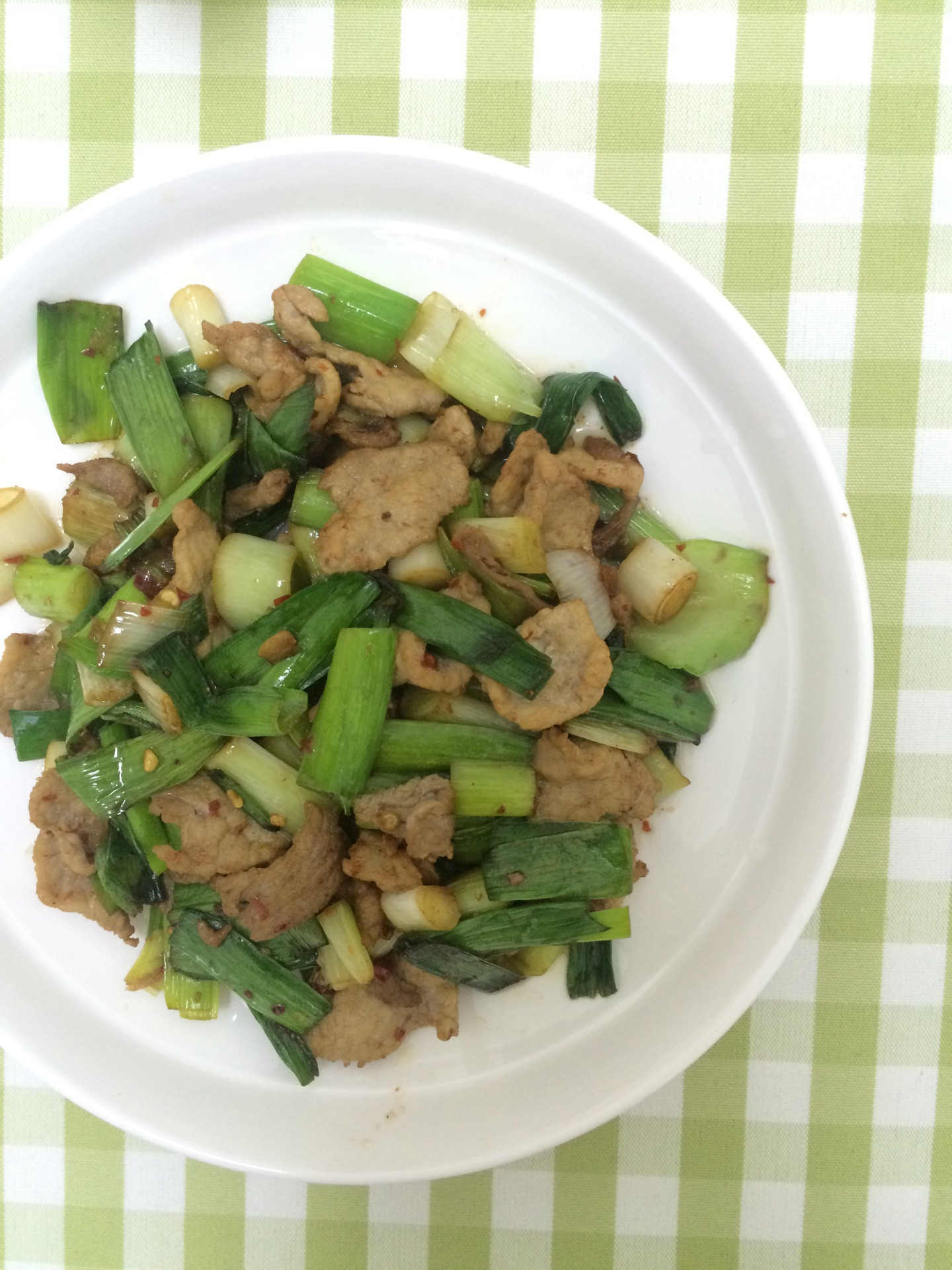 大蒜炒肉的做法_【圖解】大蒜炒肉怎么做如何做好吃_大蒜炒肉家常做法大全_馨皛2_豆果美食