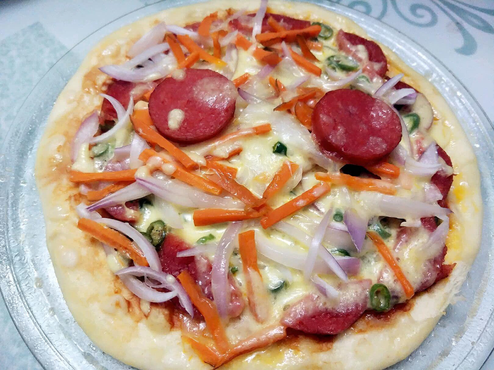 微波爐辣味蔬菜披薩的做法_【圖解】微波爐辣味蔬菜披薩怎么做如何做好吃_微波爐辣味蔬菜披薩家常做法大全_大明湖畔的你_豆果美食