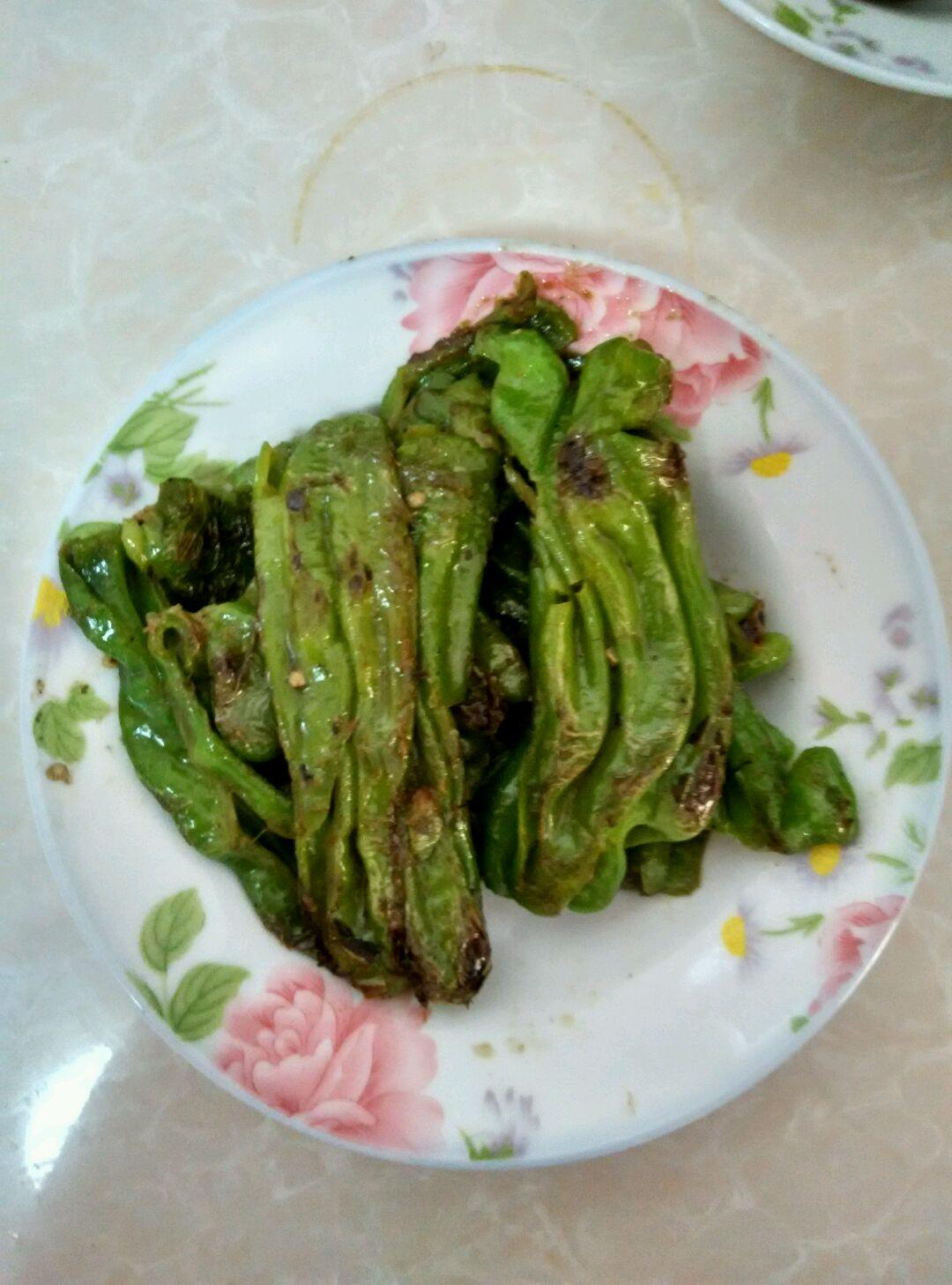 虎皮青椒的做法_【圖解】虎皮青椒怎么做如何做好吃_虎皮青椒家常做法大全_獨家記憶_豆果美食