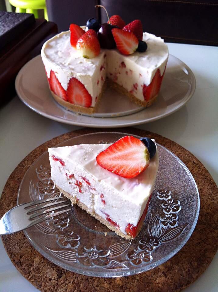 草莓凍芝士蛋糕的做法_【圖解】草莓凍芝士蛋糕怎么做如何做好吃_草莓凍芝士蛋糕家常做法大全_PopoKli_豆果美食