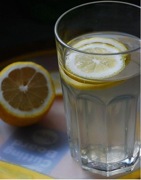 檸檬蜂蜜水的做法_【圖解】檸檬蜂蜜水怎么做如何做好吃_檸檬蜂蜜水家常做法大全_依然七月_豆果美食