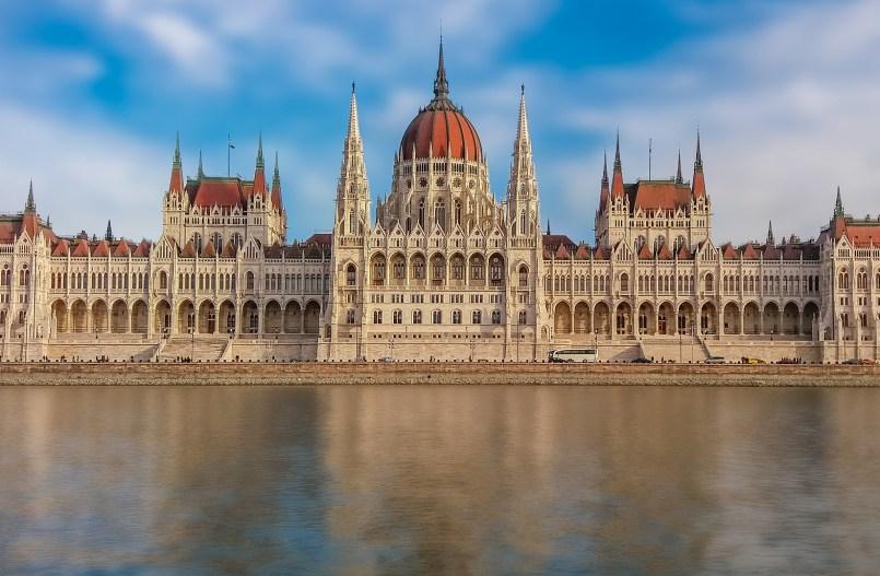La Hongrie veut cimenter le « genre » dans la Constitution