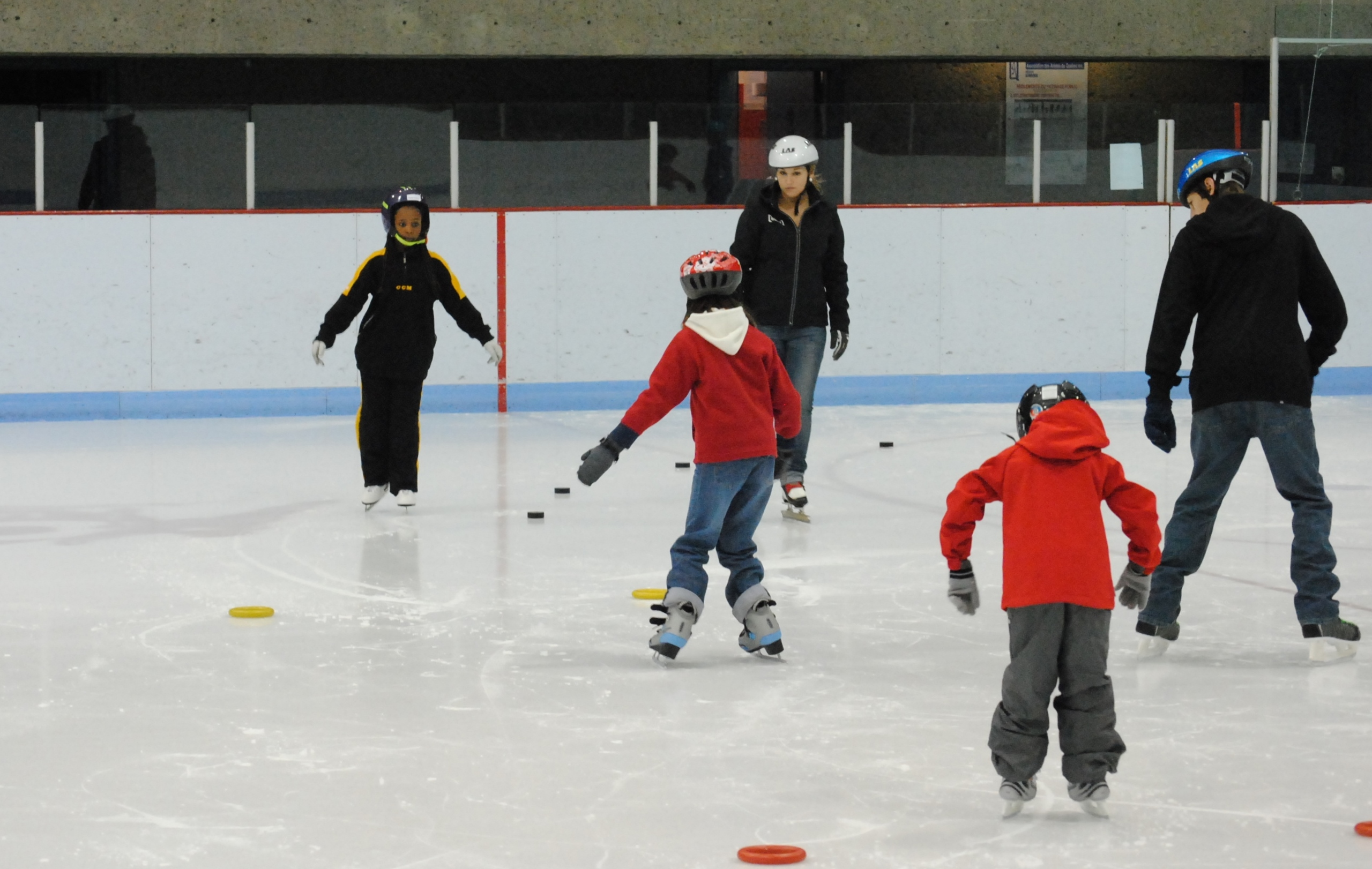 Apprendre patiner club de patinage de vitesse de longueuil for Club piscine longueuil