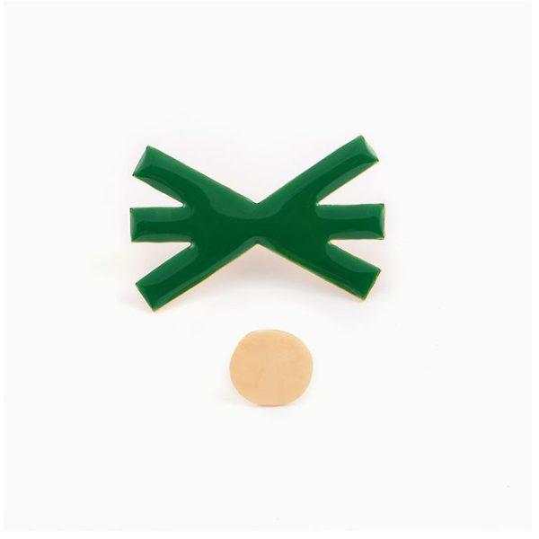 Collection x Steffie Brocoli, Pin's Pik Nik en laiton doré à l'or fin