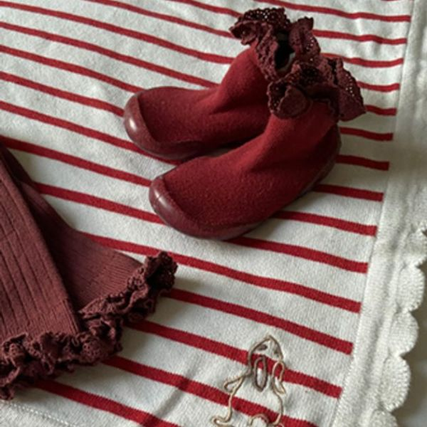 Chaussons avec dentelles et semelle antidérapante – Mademoiselle n°778
