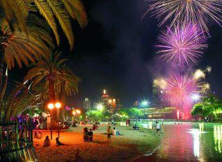 Southbank_Beach_Fireworks_Night