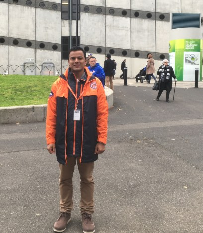 ME-AS-A-VOLUNTEER-FOR-Travellers-aid-at-MCG-1.jpg
