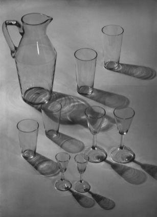 Josef Sudek: Jug and set of glasses by Ladislav Sutnar, 1938 - photo: Institute of Art History, Prague