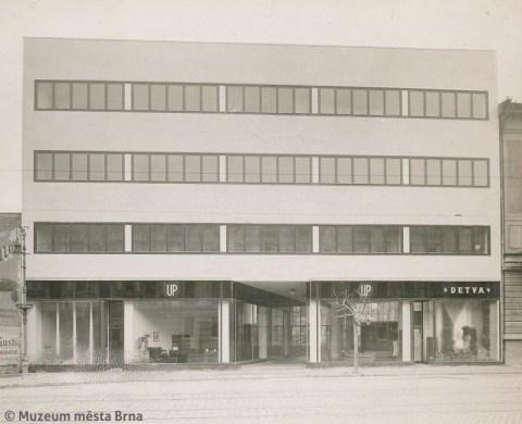 Rudolf Sandalo: Jan Víšek's office and retail building, Bratislava, 1929