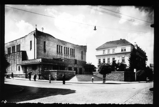 Peter Behrens: The Neolog Synagogue in Žilina, 1928–31