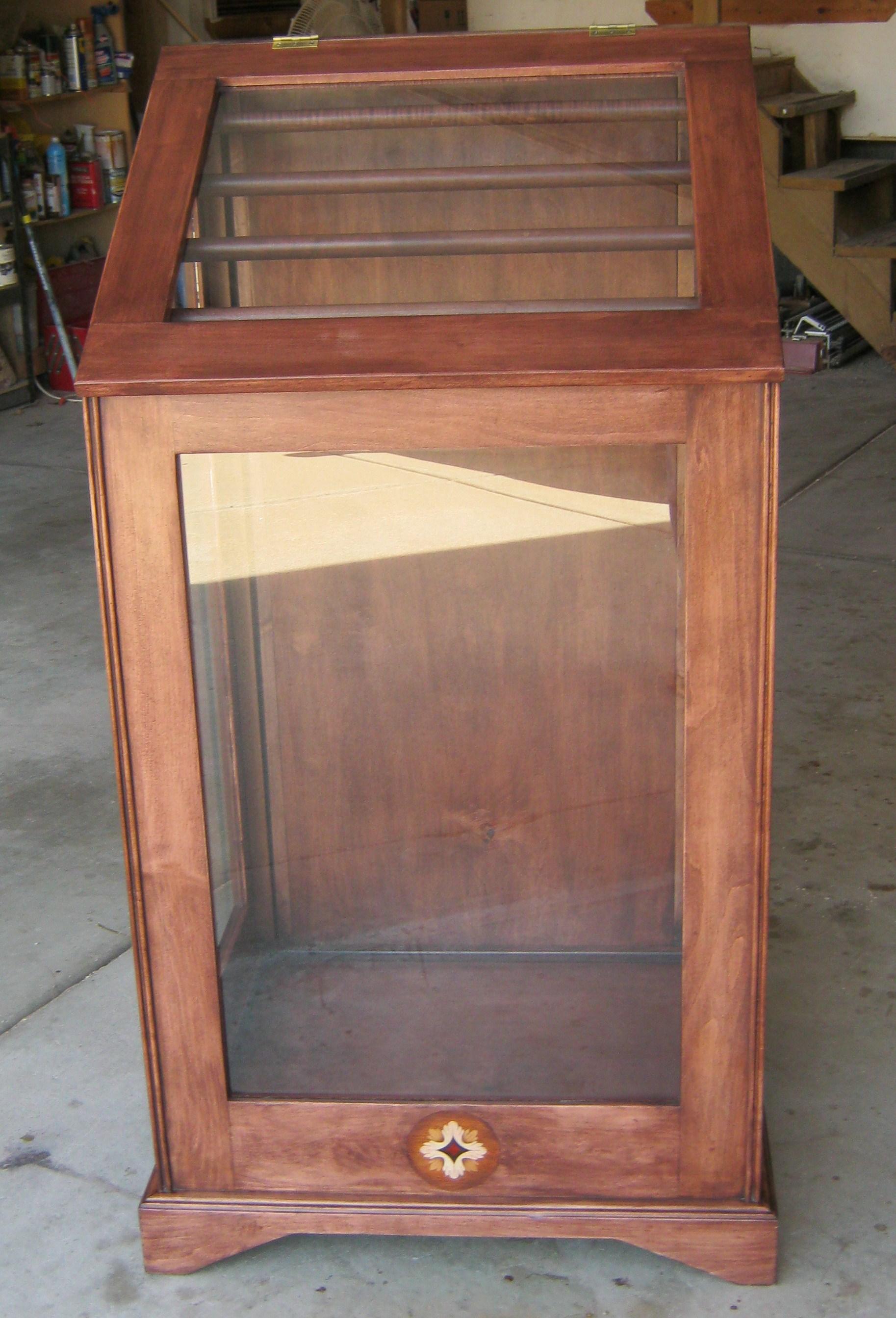 Quilt display cases , Quilt display frames, quilt racks