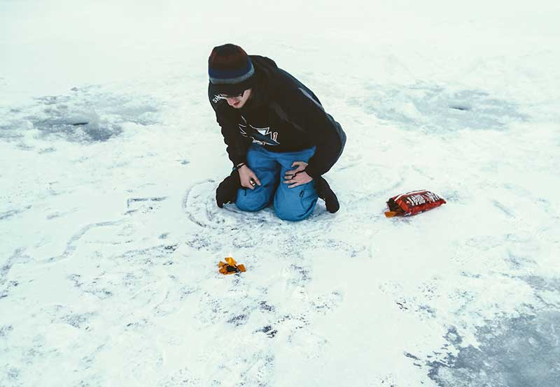 Ice Fishing start fire with Doritos