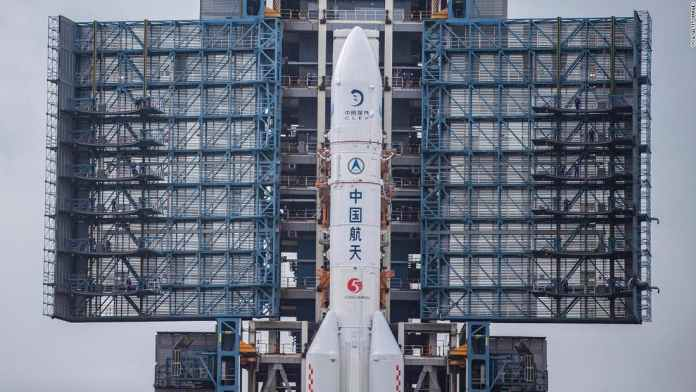 China Launching Space Mission to Collect Moon Rocks in 40 Years