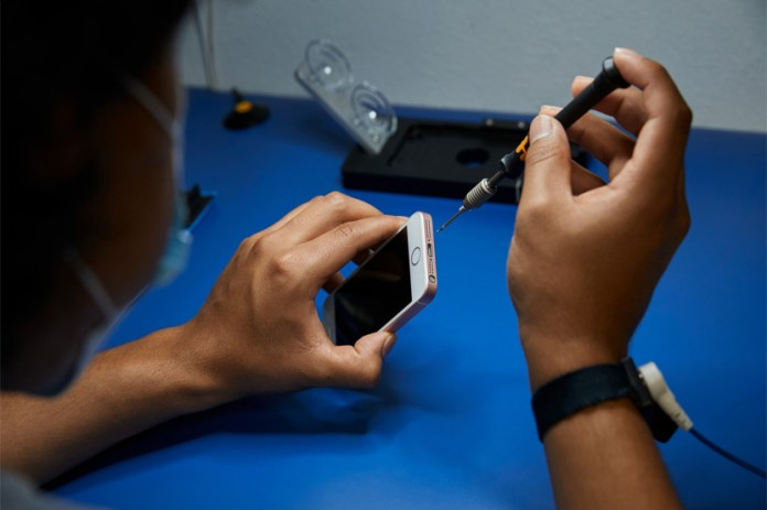 Apple is Expanding its Independent Repair Provider Program Worldwide - Craffic