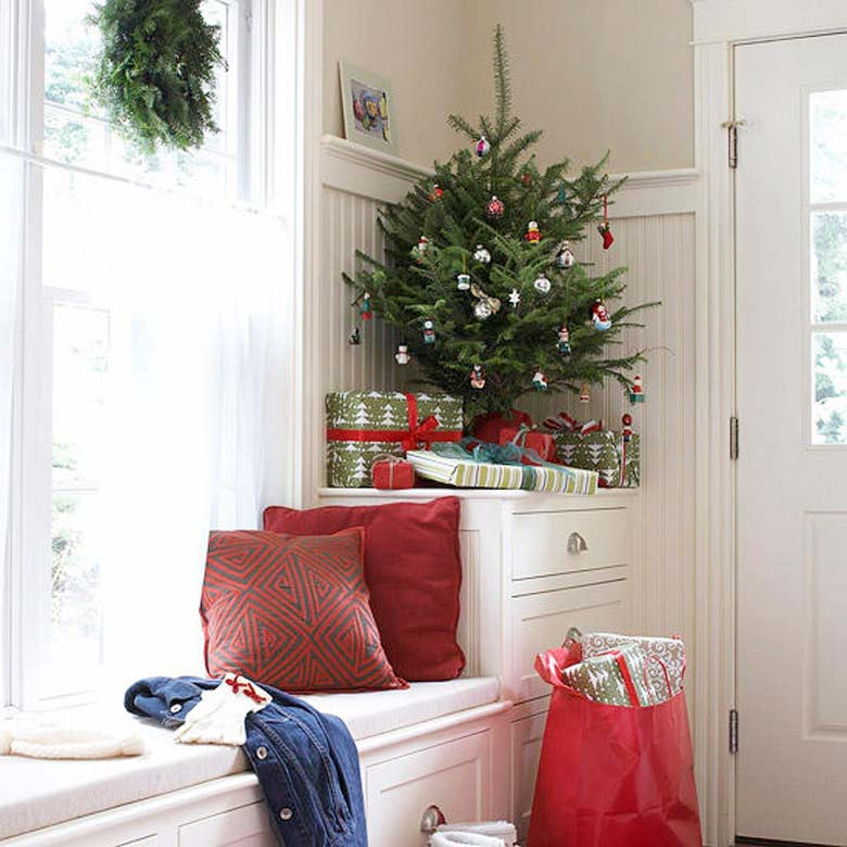 decorate small living room for christmas designer rooms pictures 15 diys to a craft mart how corner tree smallspaces