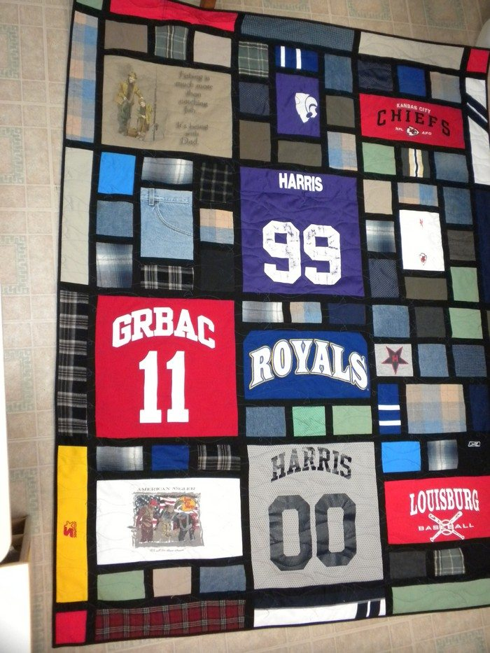 Turn your old favourite shirts into a Tshirt quilt